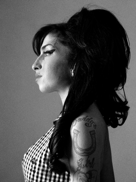 01_Adams_AmyWinehouse_2010